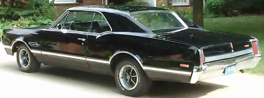 1966 Oldsmobile 442: Rear View
